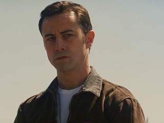 LOOPER: MEET OLDER JOE (ITALIAN)