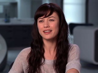 Oblivion Olga Kurylenko On Toms Enthusiasm For The Bubbleship Gimbal - Oblivion - Flixster Video