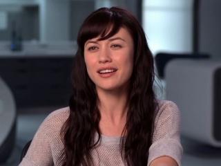 Oblivion Olga Kurylenko On Toms Enthusiasm For The Bubbleship Gimbal - Oblivion - Flixster Video