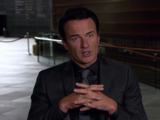 Paranoia Julian Mcmahon On Meachum Is The Face Of Paranoia In The Film