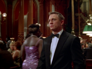 CASINO ROYALE (ENGLISH TRAILER 1)