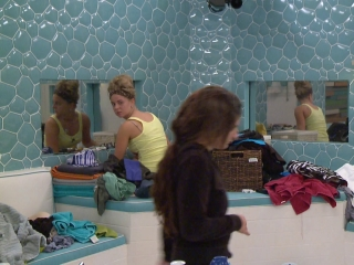 Big Brother: Episode 29 Victoria Passes Out