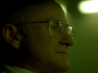 ONE HOUR PHOTO (TRAILER 1)
