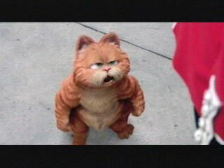 Garfield A Tale Of Two Kitties Scene The British Are Coming