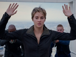The Divergent Series: Insurgent: Sneak Peek (Featurette)