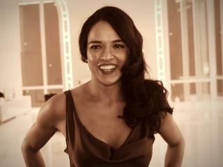 Furious 7: Michelle Rodriguez's First (Featurette)