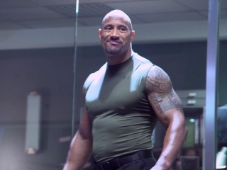 Furious 7: Hobbs Vs. Shaw Fight (Featurette)