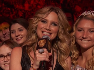 Iheartradio Country Festival Jennifer Introduces