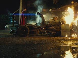Batman v Superman: Dawn Of Justice (International Comic Con Trailer)