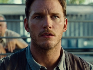 Jurassic World: Owen Rescues A Worker