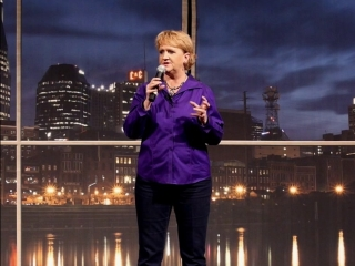 Chonda Pierce Laughing in the Dark