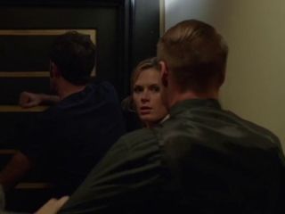 Monday At 11:01 A.M.: Hallway-Charles Agron & Lauren Shaw (3)
