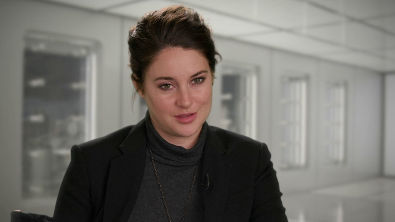 The Divergent Series: Allegiant: Shailene Woodley On Her Character's Decision To Go Beyond The Wall
