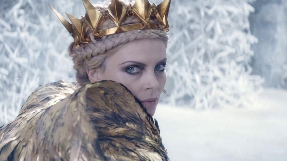 The Huntsman: Winter's War: A Battle Breaks Out In The Throne Room