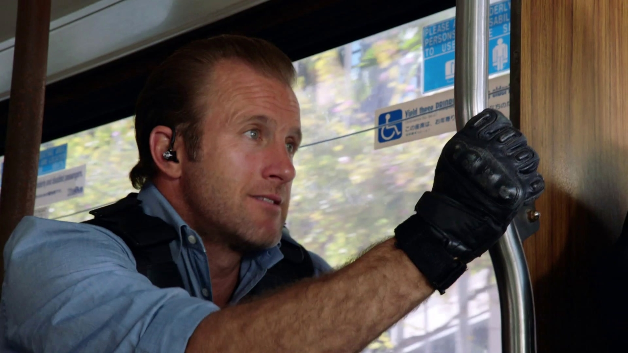 Hawaii Five-0: We Need Your Bus