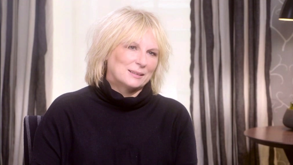 Absolutely Fabulous: The Movie: Jennifer Saunders On Working With Dame Edna-Barry (Us)