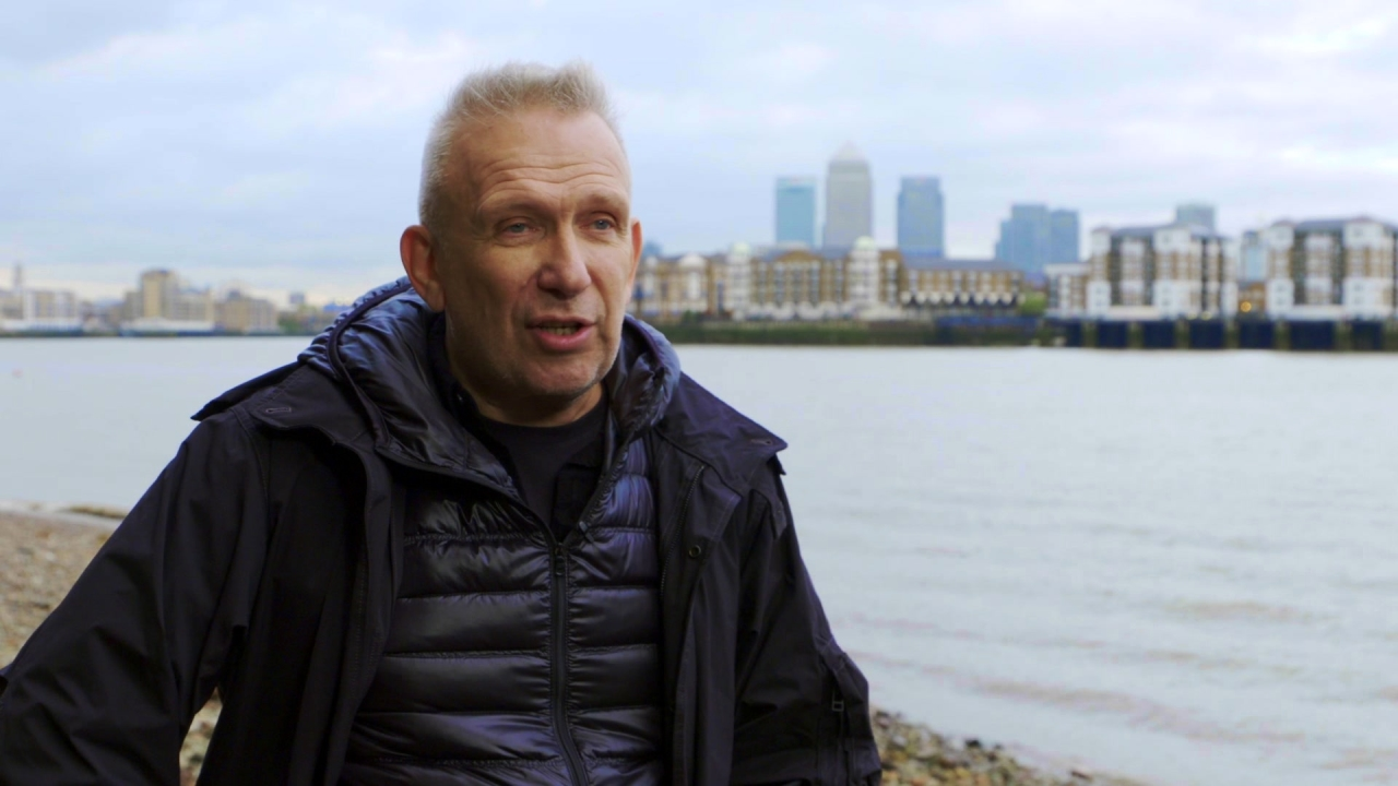 Absolutely Fabulous: The Movie: Jean-Paul Gaultier On The Fashion (US)