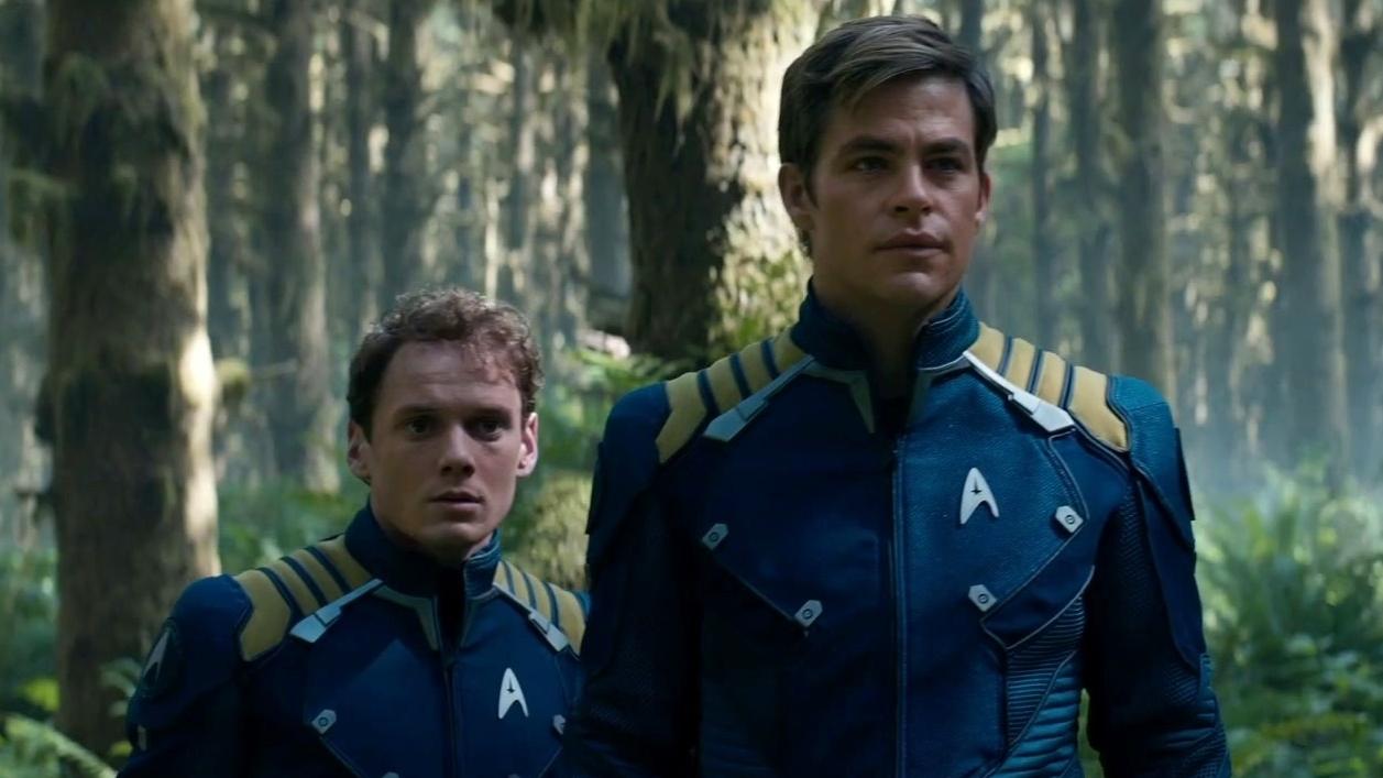 Star Trek Beyond: A Team Effort Featurette (International)