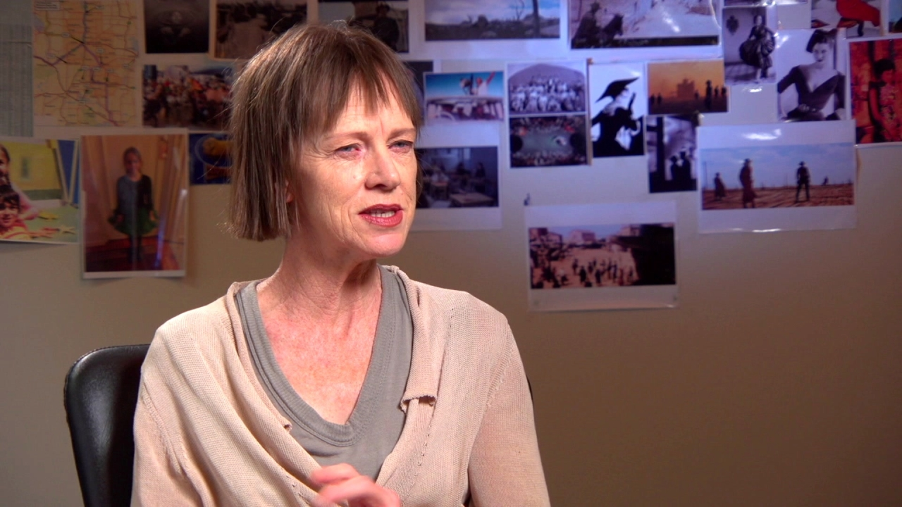 The Dressmaker: Judy Davis On Playing Her Character (US)