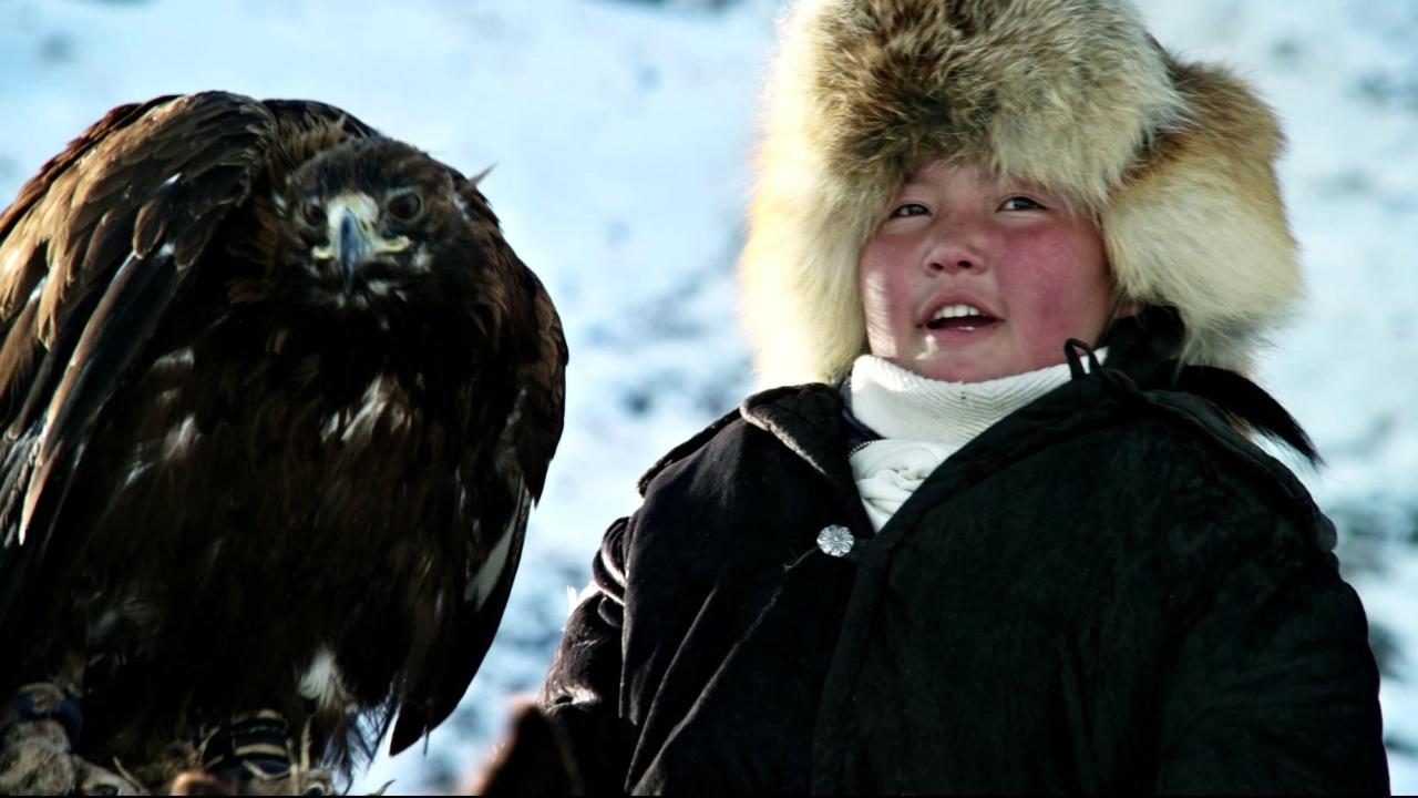 The Eagle Huntress: Soaring Cinematography (US Featurette)