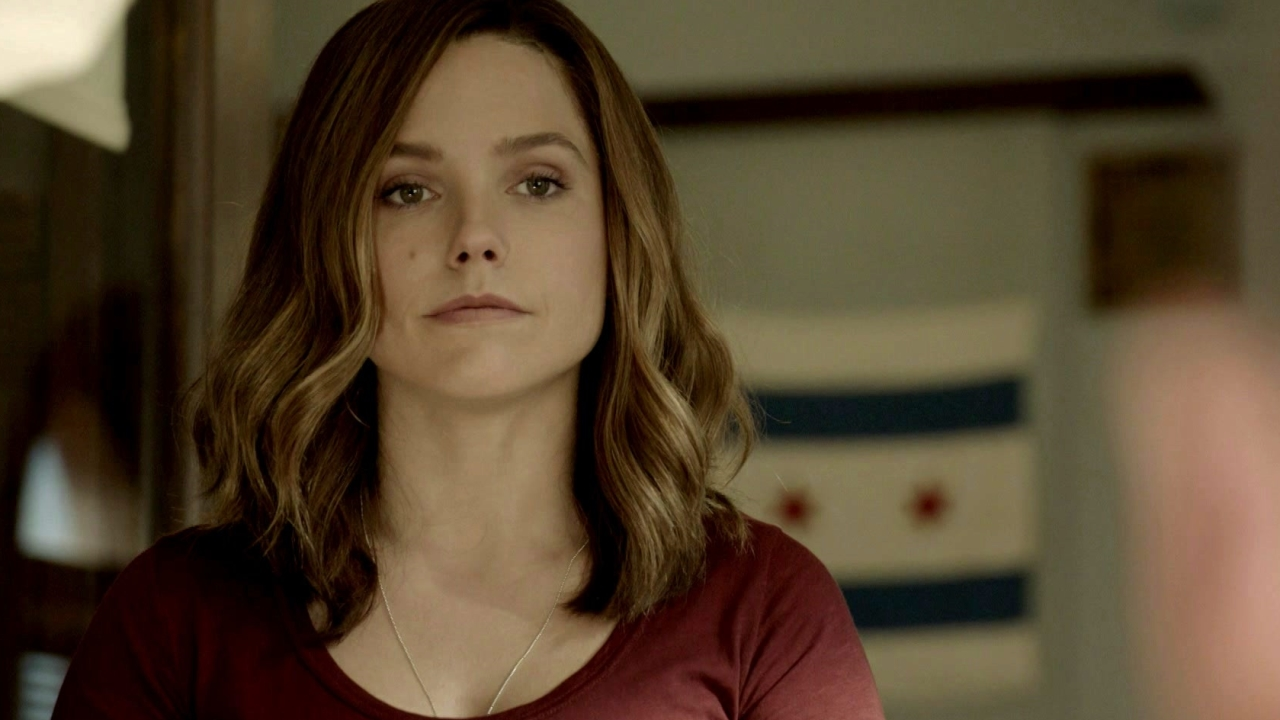 Chicago P.D.: Lindsay Wants To Know If Voight Is Ok