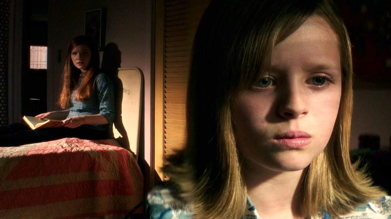 Ouija: Origin Of Evil: Alice Tries Out Her New Ouija Board Trick