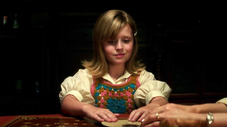 Ouija: Origin Of Evil: Doris Shows Lina And Alice How She Talks To Daddy