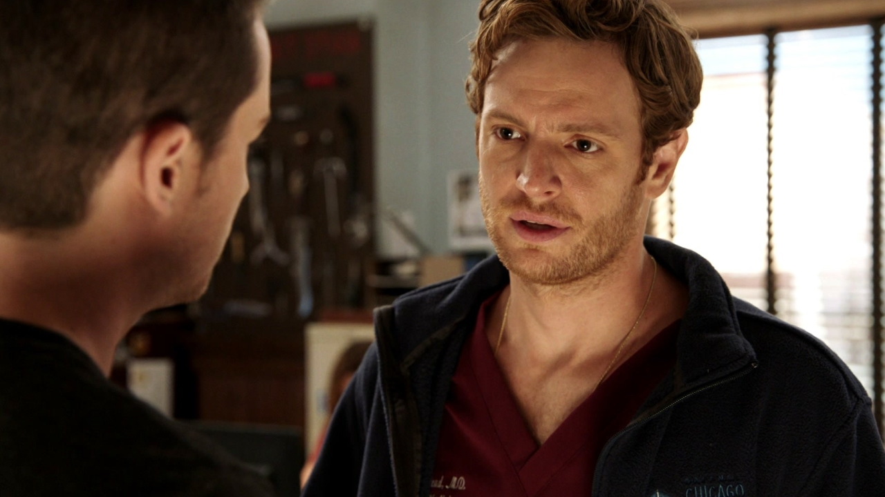 Chicago P.D.: Dr. Halstead Wants Jay's Help To Get The Deadly Drugs Off The Street