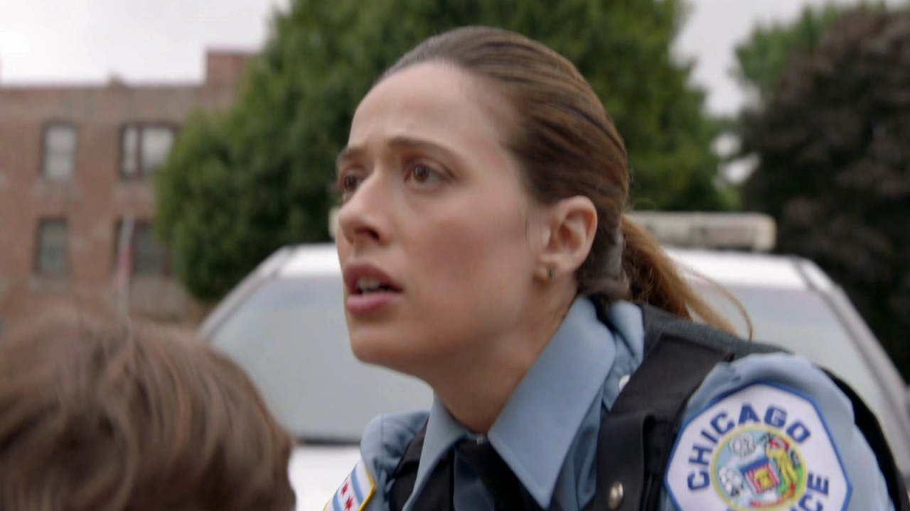Chicago P.D.: Burgess and Tay Come Across A Bloodied Child
