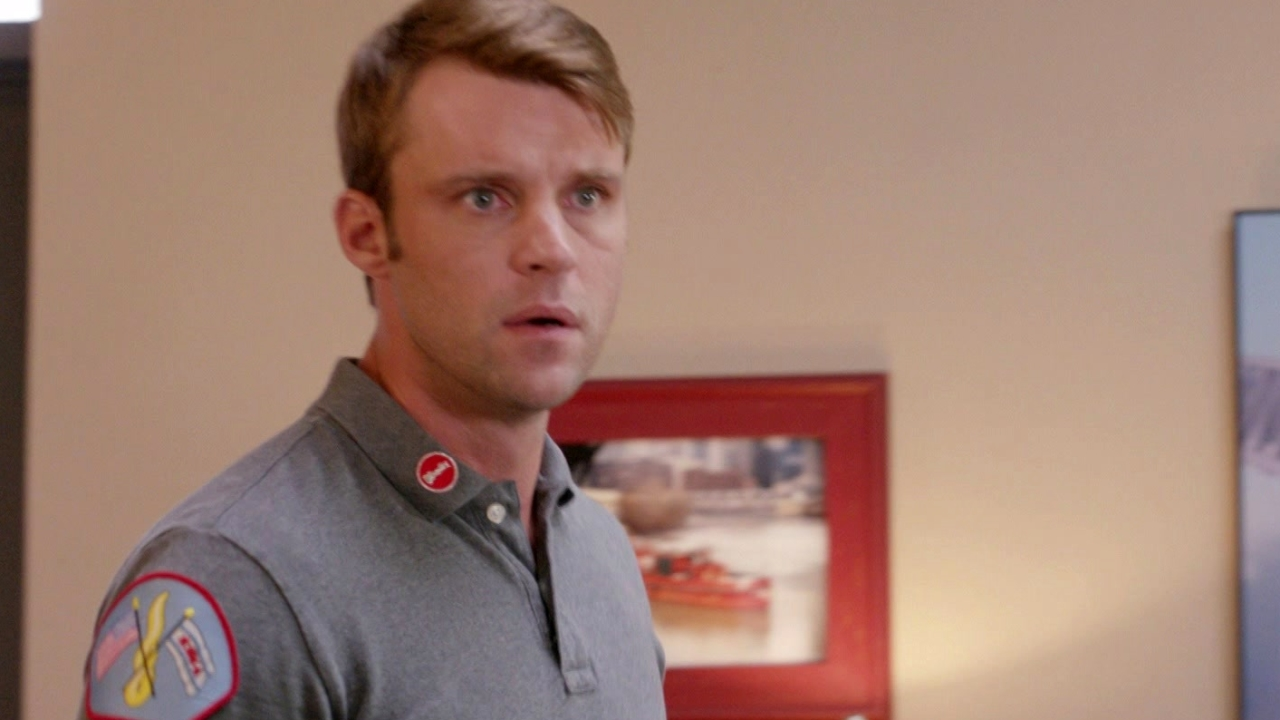 Chicago Fire: Casey And Dawson Are Fearful That Louie May Be Taken Away