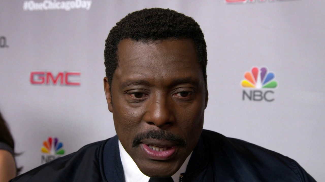 Chicago Fire: ONE CHICAGO DAY: EAMONN WALKER