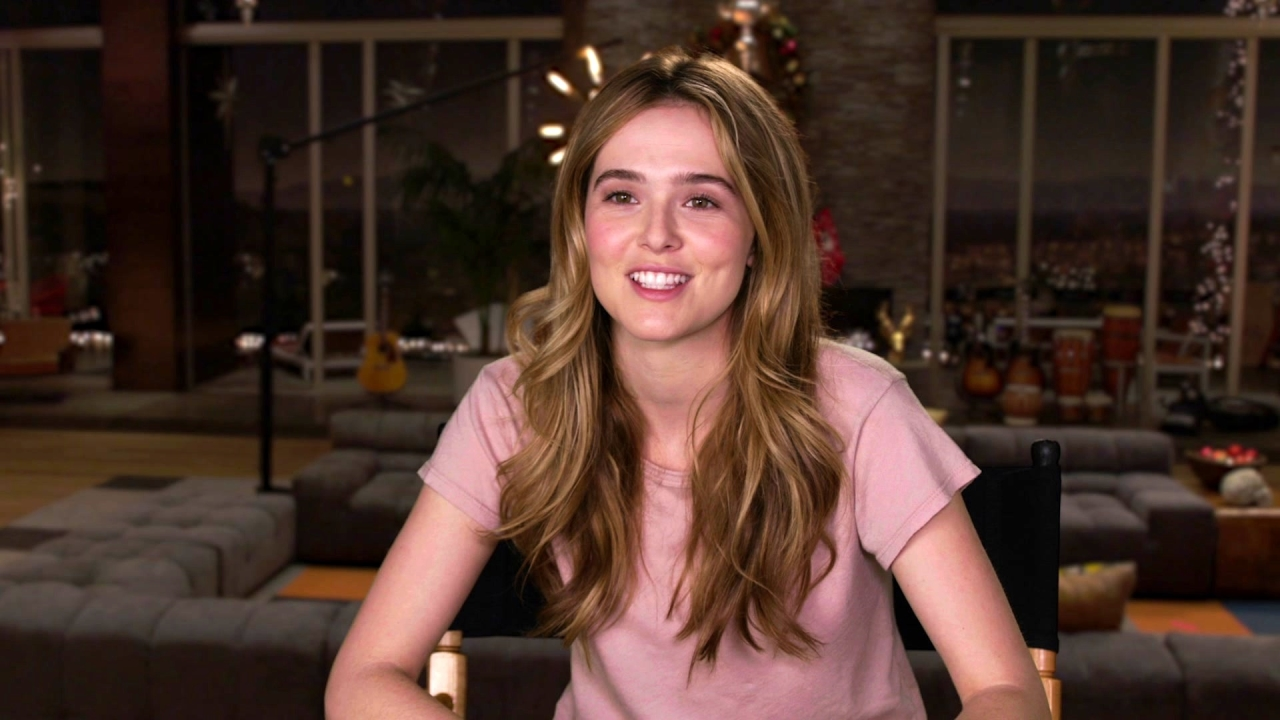 Why Him: Zoey Deutch On Why Meeting 'Laird' Is A Shock