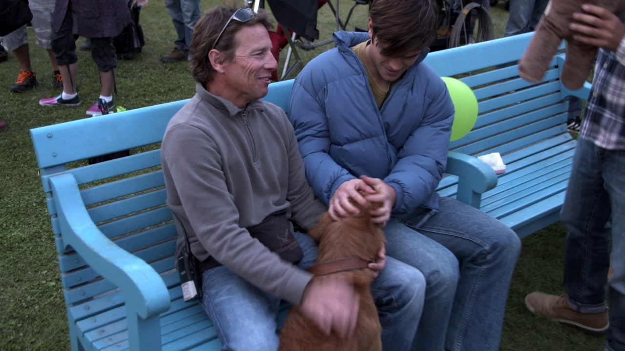 A Dog's Purpose: 4 Legged Stars (Featurette)