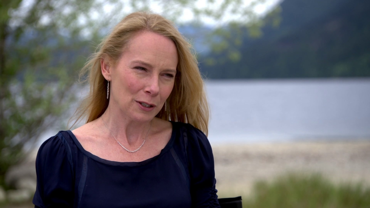 Monster Trucks: Amy Ryan On Her Character's Relationship With 'Tripp' In The Beginning