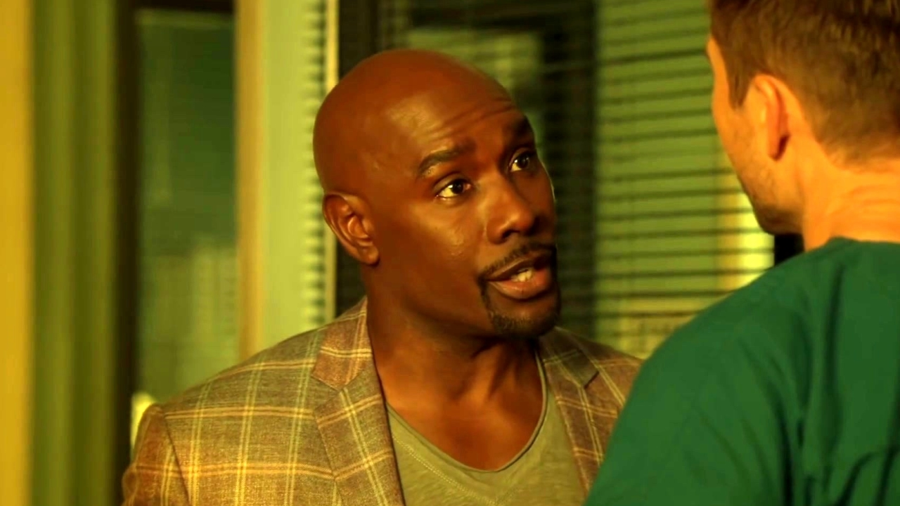 Rosewood: Rosie And Villa Discuss Their Magician Case