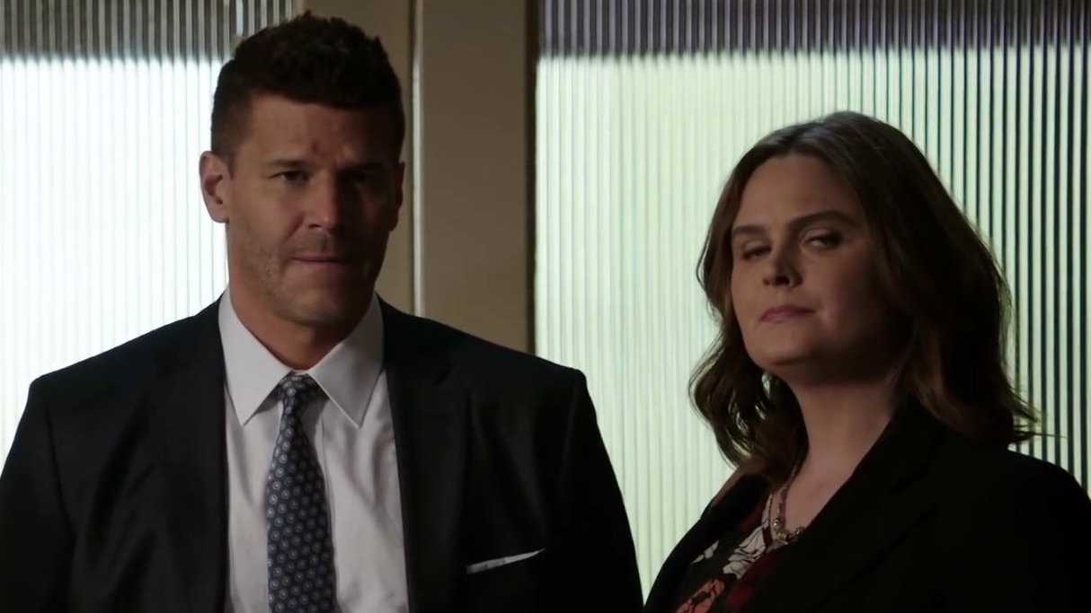 Bones: Brennan And Booth Break The Bad News To Barbara Baker