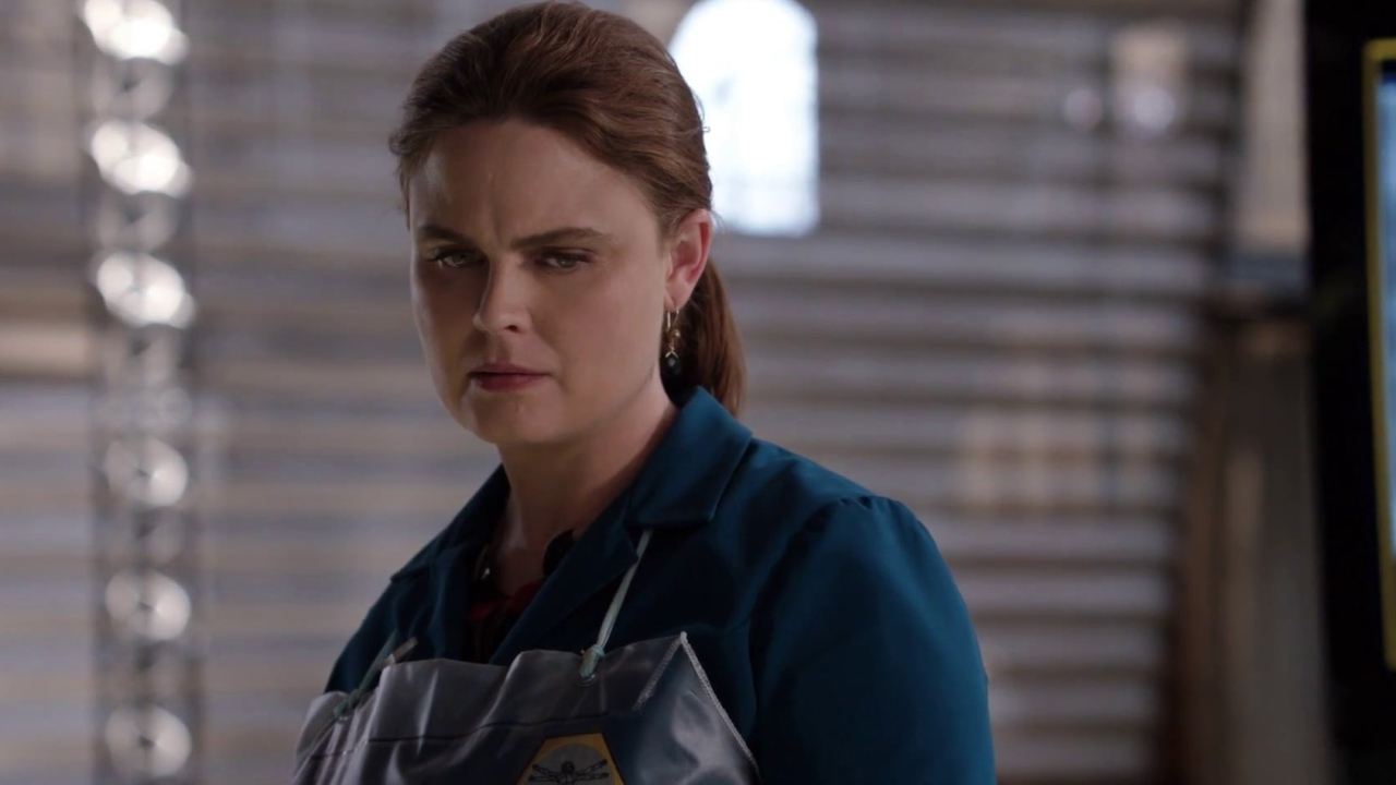 Bones: Brennan Recognizes Their Latest Victim