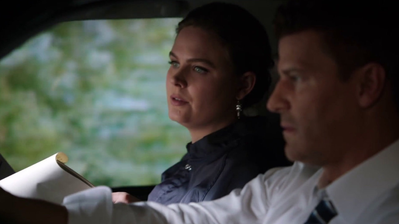 Bones: Brennan Plans Her Own Surprise Party
