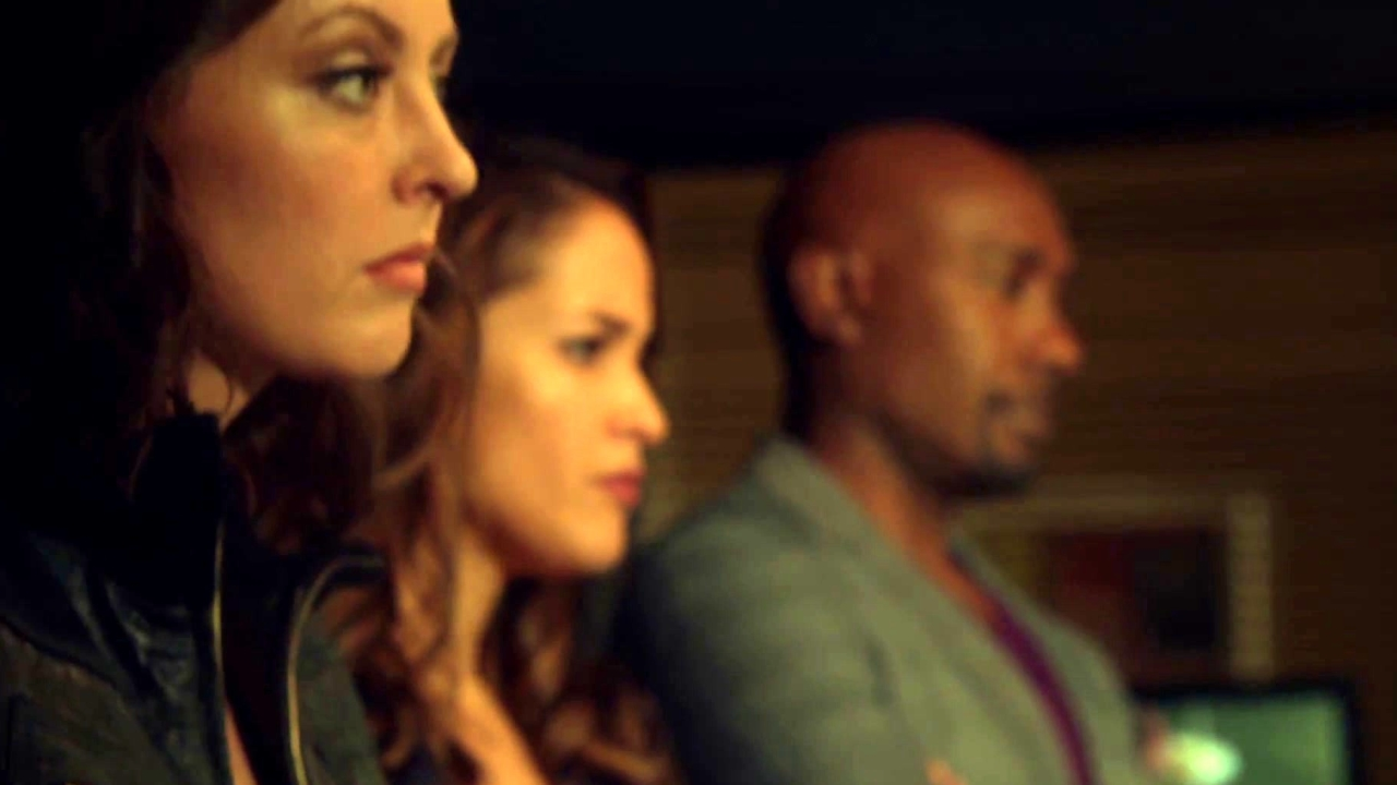 Rosewood: Naomi Gets A Little Too Graphic With Rosie And Villa