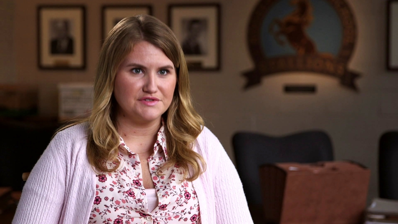 Fist Fight: Jillian Bell On 'Holly' Being Odd