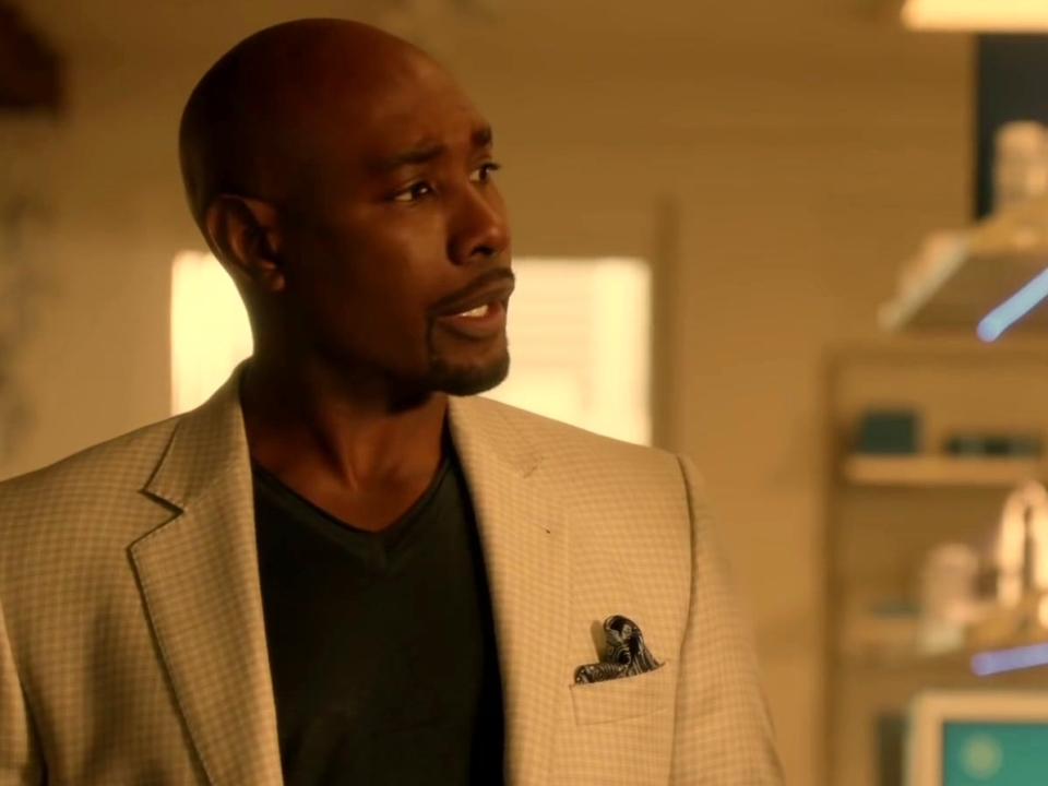 Rosewood: Donna Calls For A Team Meeting