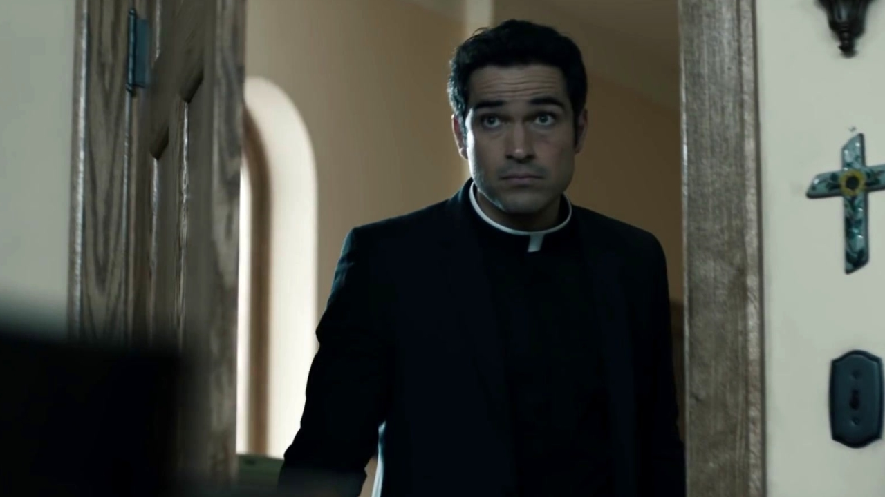 The Exorcist: Father Marcus Pays Father Tomas A Visit