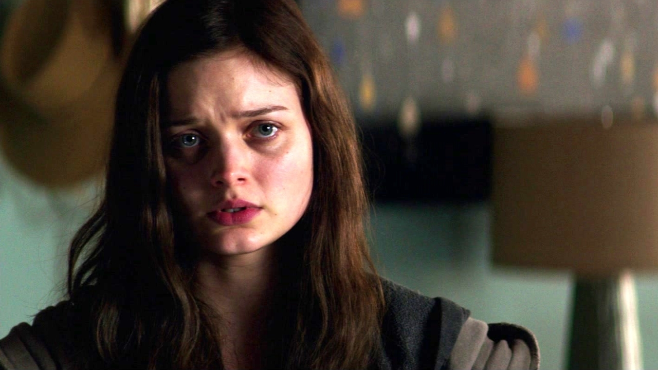 Fifty Shades Darker: Leila Surprises Ana In Her Apartment