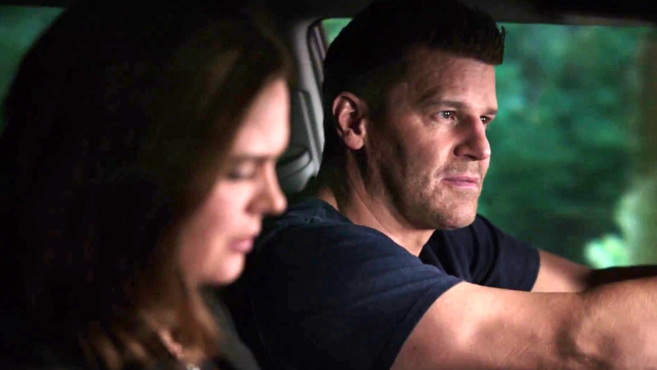 Bones: Brennan Shares Her Mathematical Puns With Booth