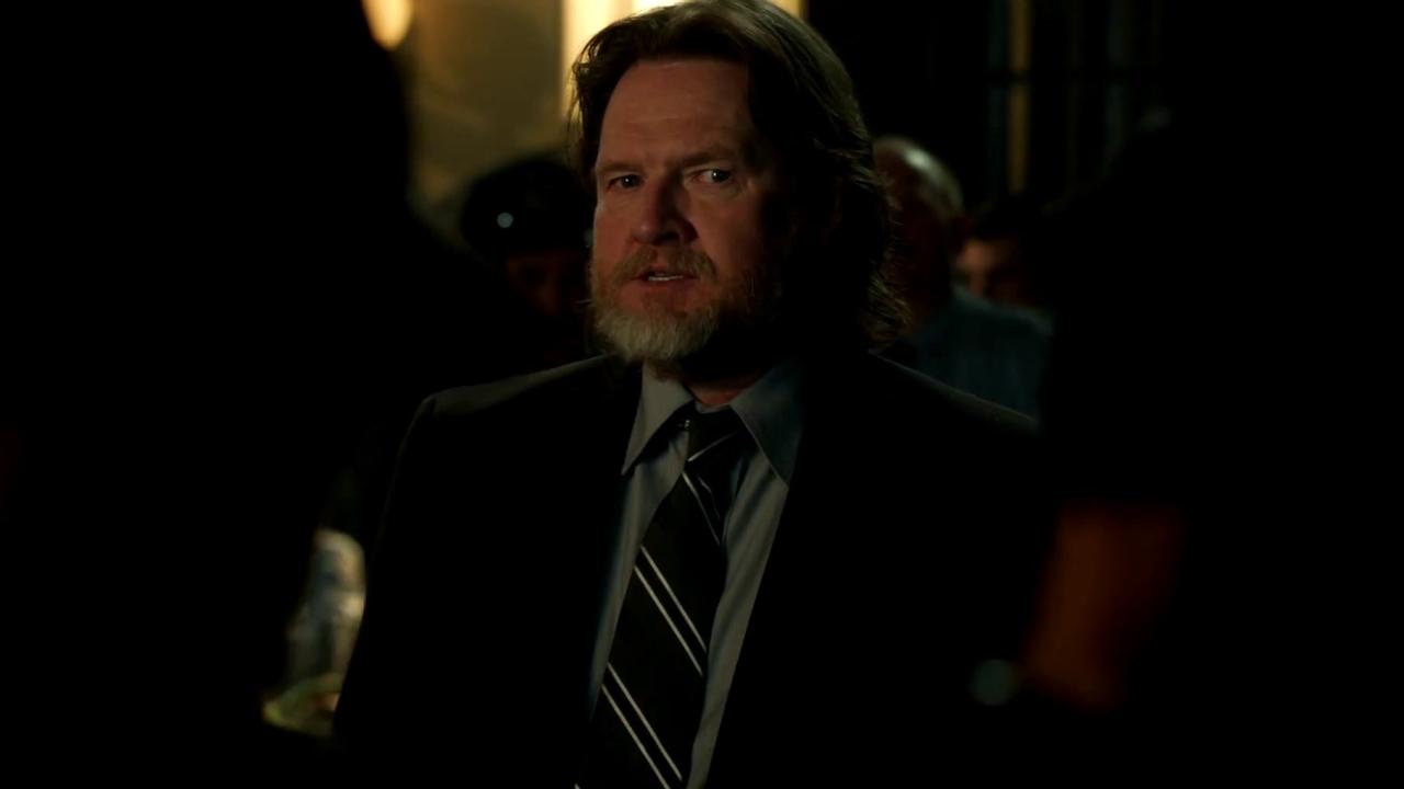Gotham: Harvey Makes A Shocking Announcement