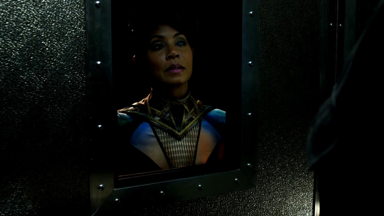 Gotham: Fish Mooney Discovers Her Superpower