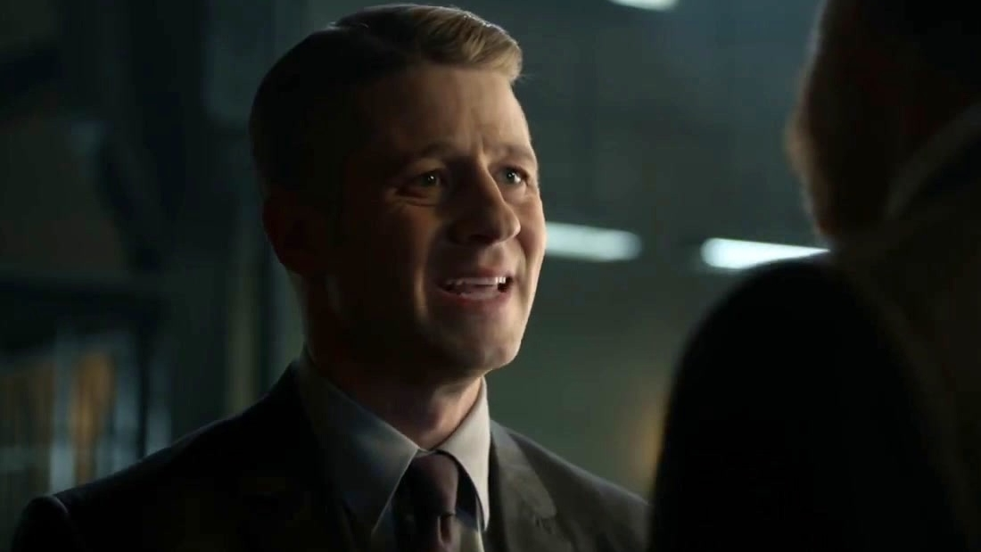 Gotham: Harvey Breaks The News About Falcone