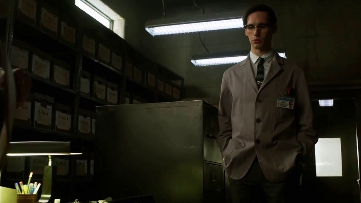 Gotham: Kringle Cracks