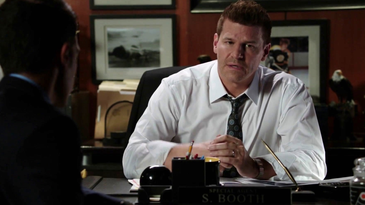 Bones: Angela And Booth Discover A Connection Between Their Victim And Booth