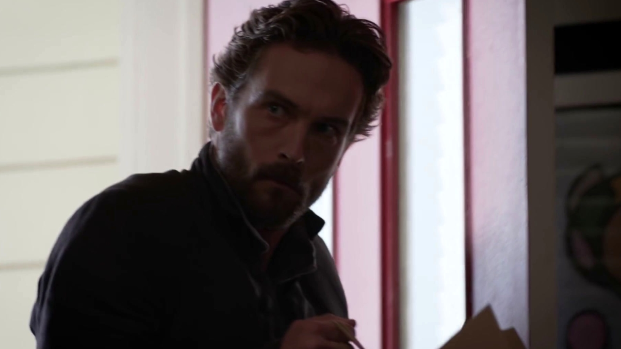 Sleepy Hollow: Ichabod Teaches Molly A Thing Or Two About History